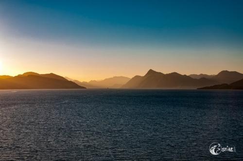 Nordmeer mit Bergen